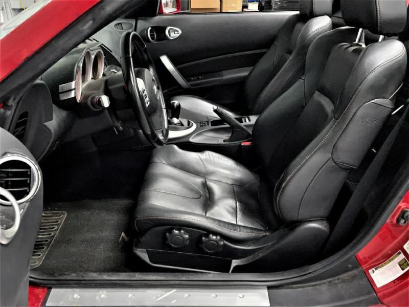 Nissan 350 Z 2006 price $15,995