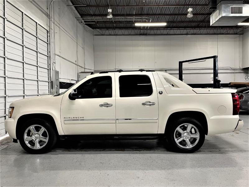 Chevrolet Avalanche 2013 price $27,995