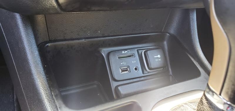Jeep Cherokee 2015 price $15,899