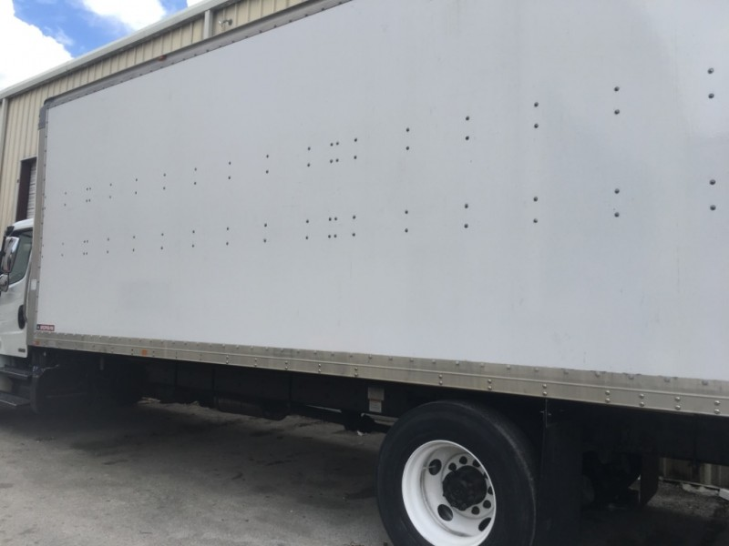 Freightliner M2 Business class 24 ft e track aluminum liftgate 2012 price $22,500