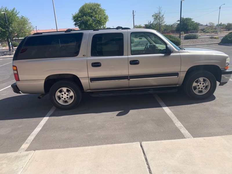 CHEVROLET SUBURBAN 2001 price Call for Pricing.