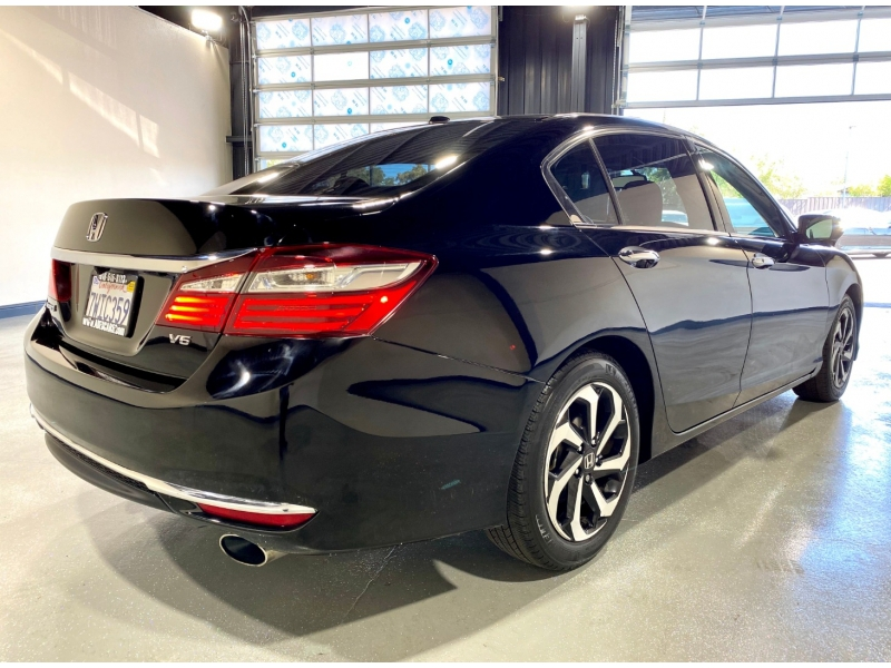Honda Accord 2016 price $17,500