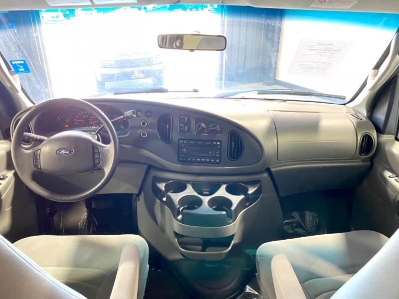 Ford Econoline Wagon 2008 price $8,999