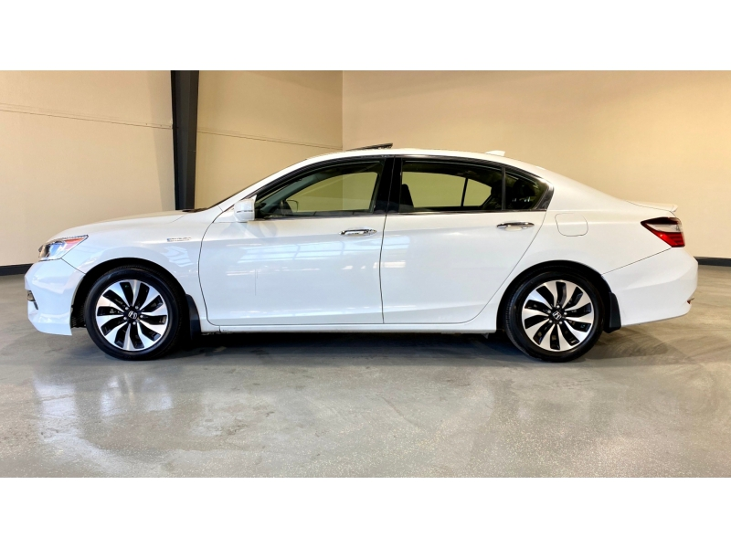 Honda Accord Hybrid 2017 price $18,500