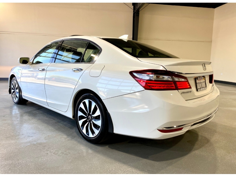 Honda Accord Hybrid 2017 price $16,999