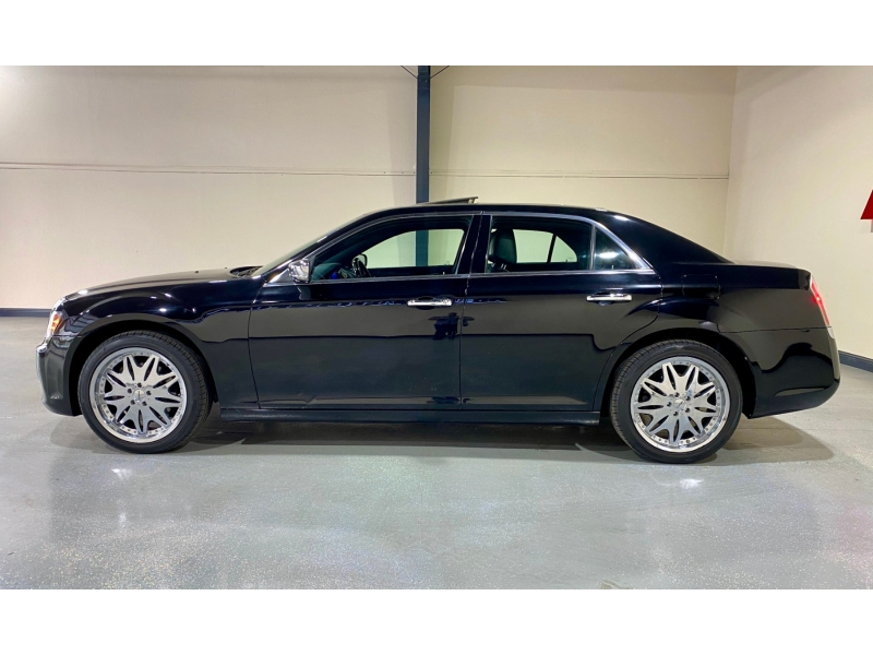 Chrysler 300-Series 2012 price $13,999