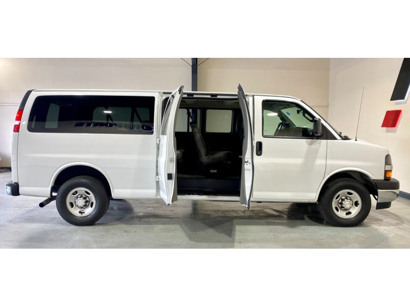 Chevrolet Express Passenger 2017 price $18,999