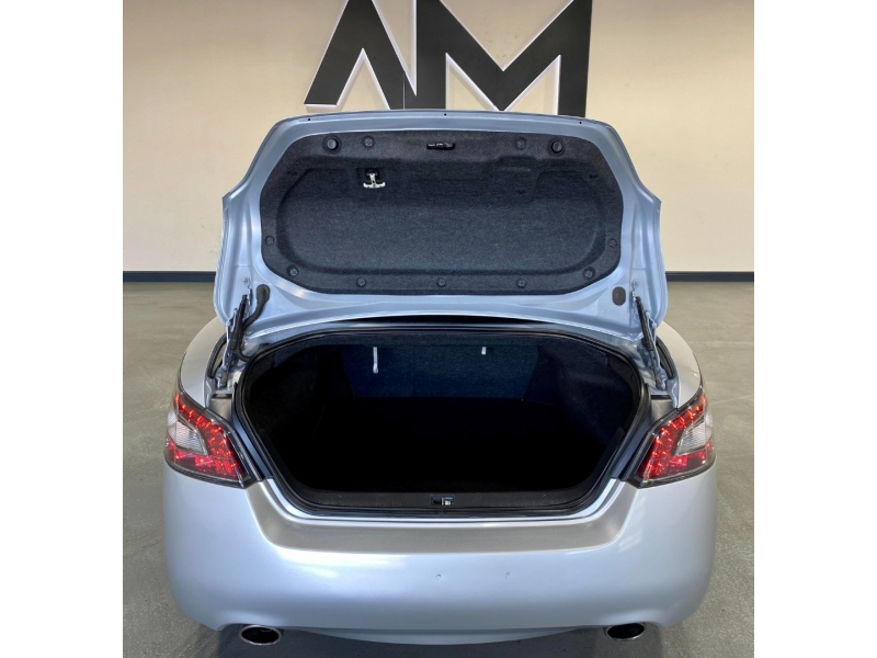Nissan Maxima 2012 price $9,999