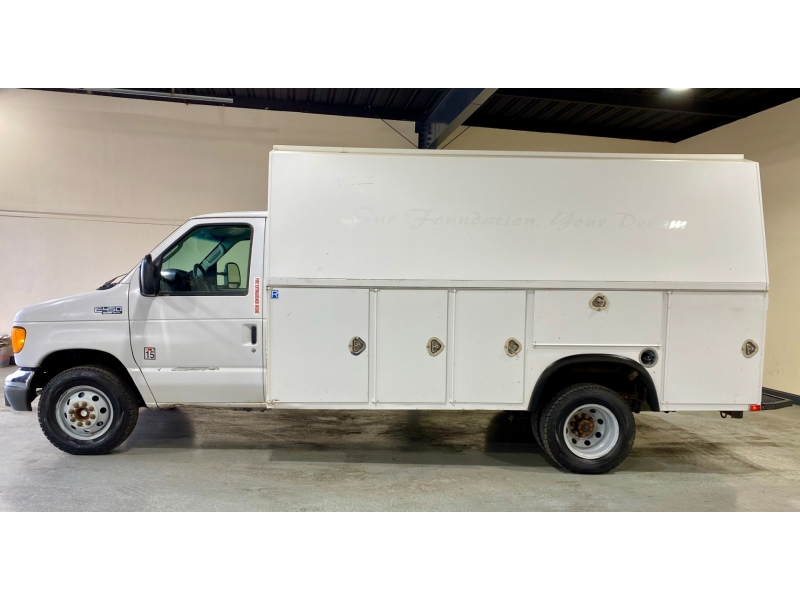 Ford Econoline Commercial Cutaway 2005 price $14,999