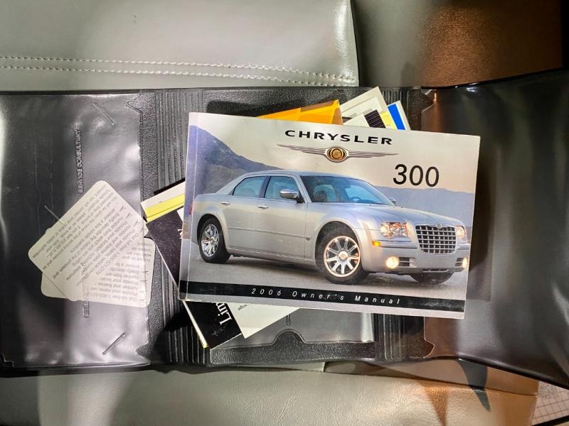 Chrysler 300 2006 price $9,999