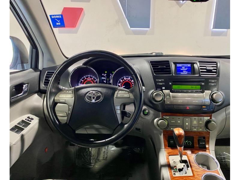 Toyota Highlander 2008 price $10,999