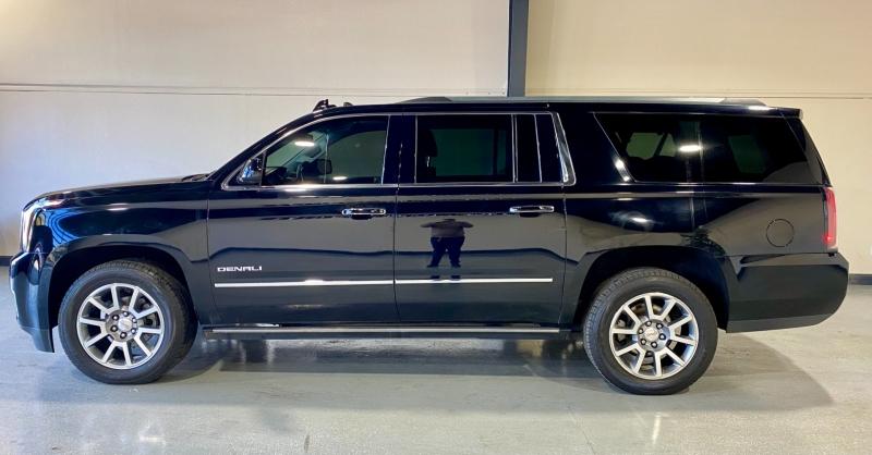 GMC Yukon XL 2016 price $31,000