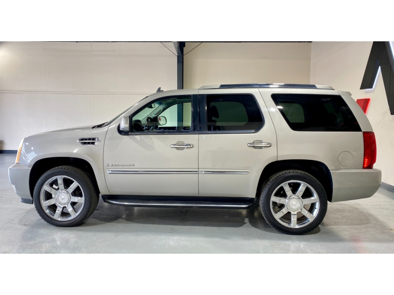 Cadillac Escalade 2007 price $13,999