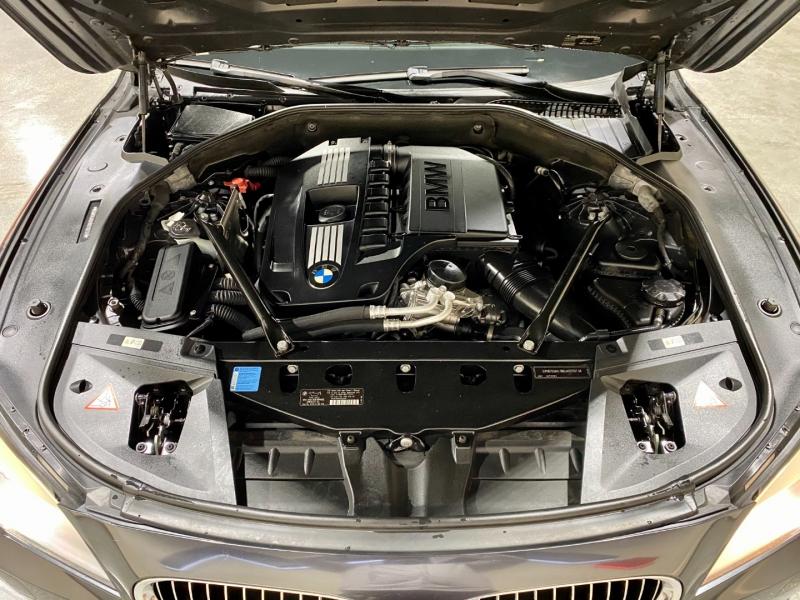BMW 7-Series 2011 price $12,999