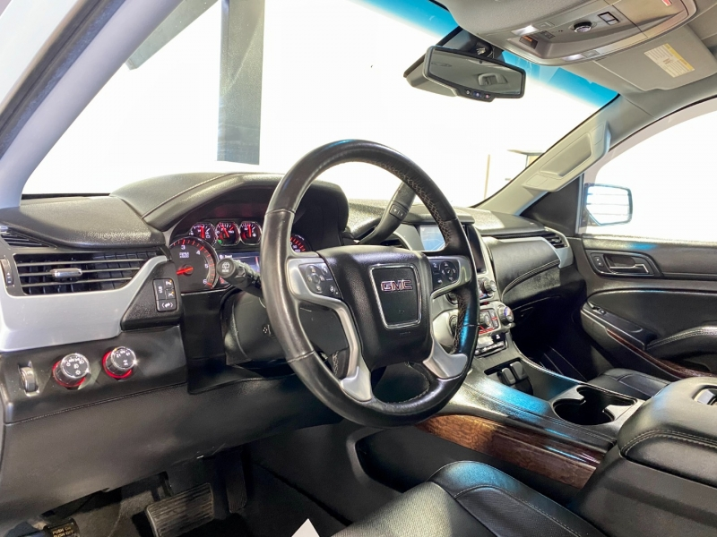 GMC Yukon XL 2016 price $30,999