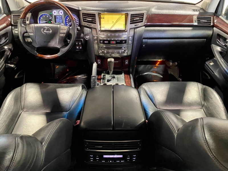 Lexus LX 570 2011 price $31,999