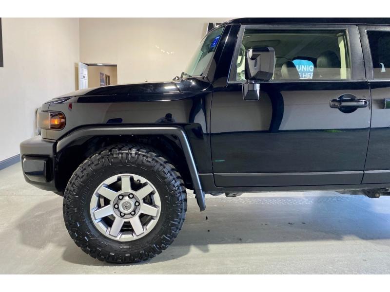 Toyota FJ Cruiser 2014 price $31,999
