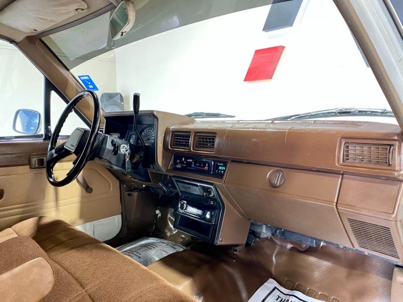 Toyota Pickup 1986 price $8,999