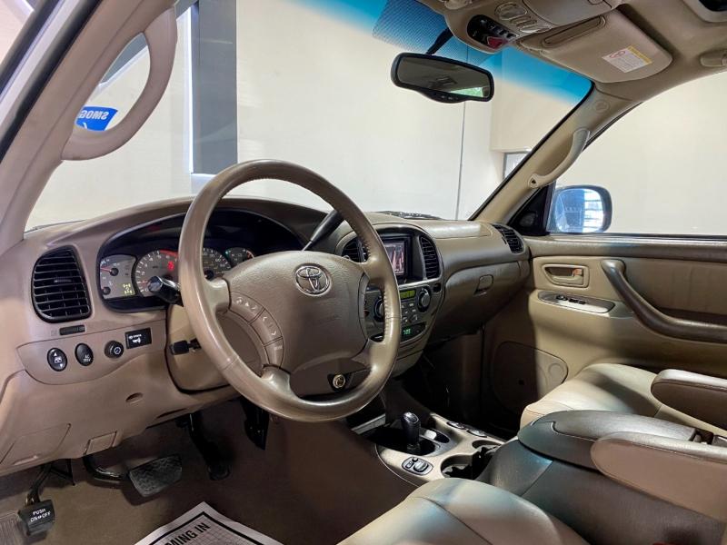 Toyota Sequoia 2003 price $10,999