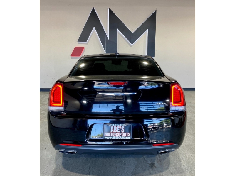 Chrysler 300 2018 price $20,999