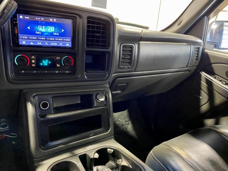 Chevrolet Avalanche 2003 price $11,999