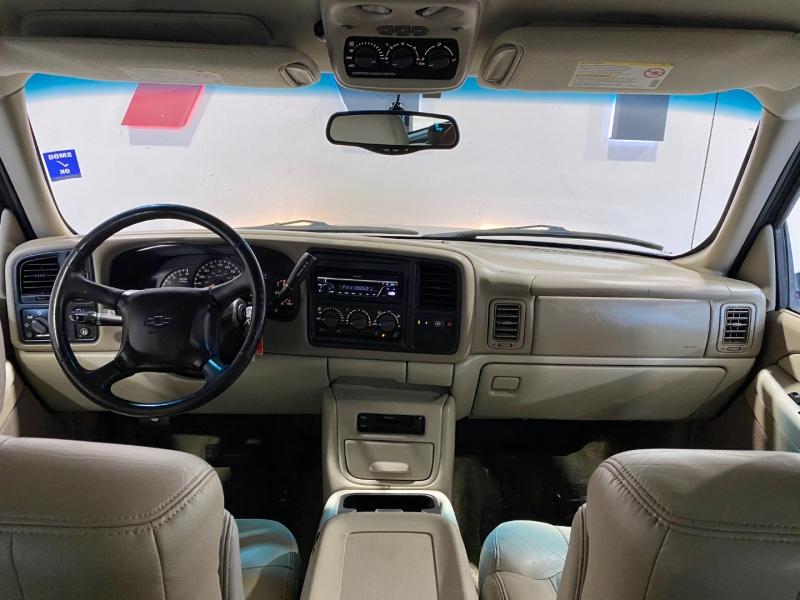 Chevrolet Suburban 2001 price $7,999