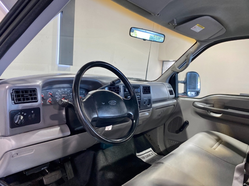Ford Super Duty F-350 SRW 2001 price $17,999