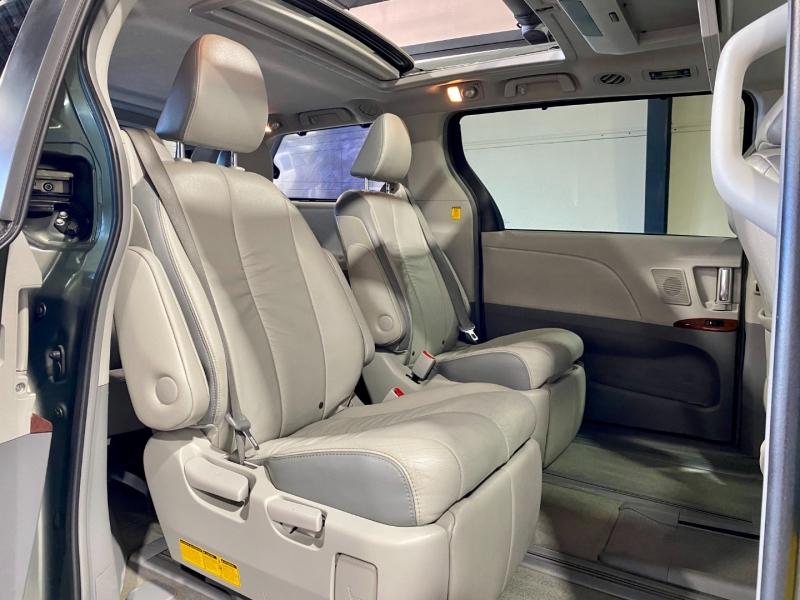 Toyota Sienna 2012 price $22,999