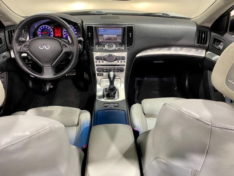 Infiniti G 37C 2009 price $12,999