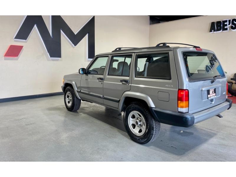 Jeep Cherokee 2001 price $9,999