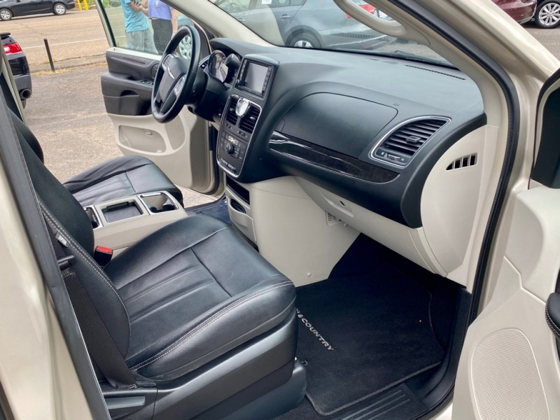 CHRYSLER TOWN & COUNTRY 2013 price $11,499