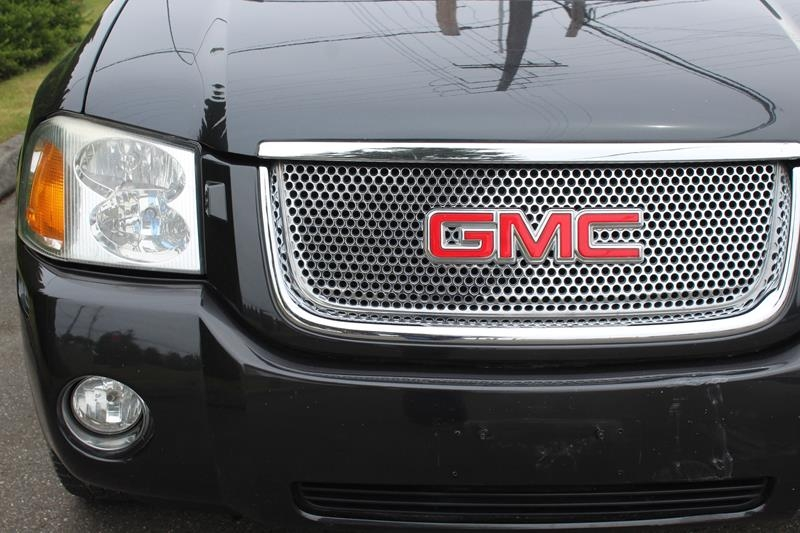 GMC Envoy 2006 price $8,995