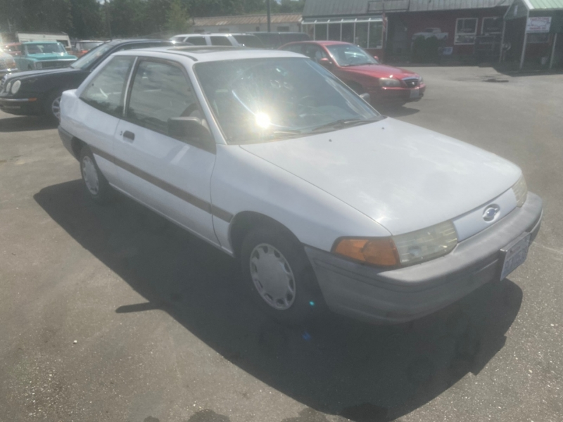 Ford Escort 1991 price $2,995