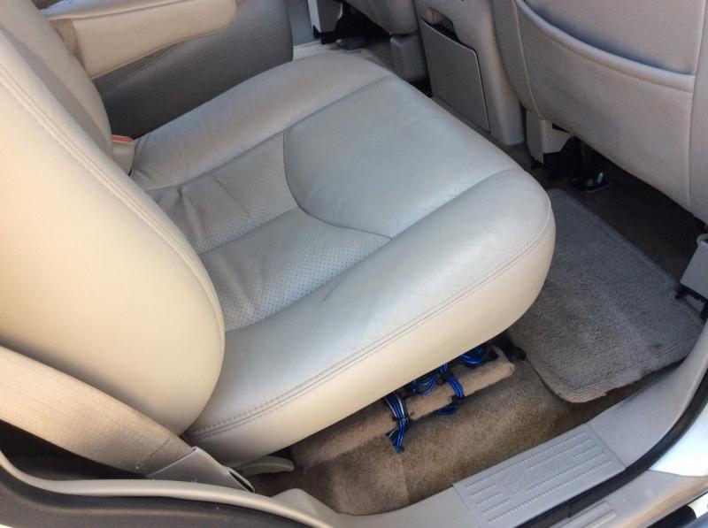 Cadillac Escalade 2005 price $8,990