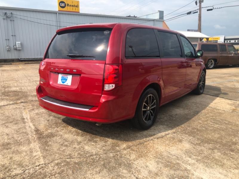 Dodge Grand Caravan 2015 price $5,900