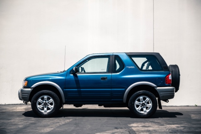 Isuzu Rodeo Sport 2002 price $4,400