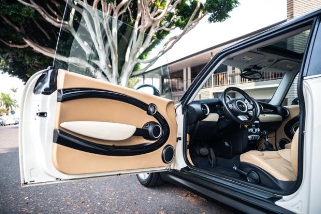 Mini Cooper 2009 price $11,900