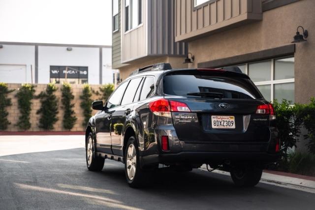Subaru Outback 2012 price $12,900