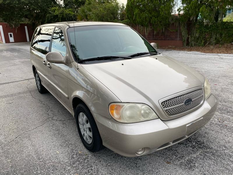Kia Sedona 2005 price $2,595