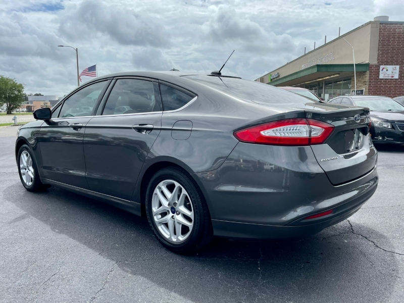 Ford Fusion 2016 price $10,990