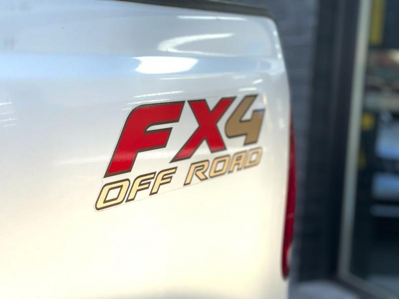 Ford Super Duty F-250 2006 price $14,990