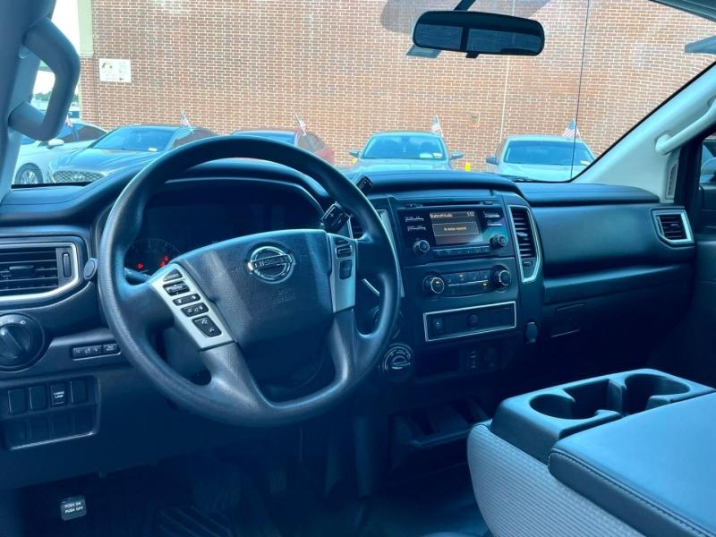 Nissan Titan XD 2018 price $35,990