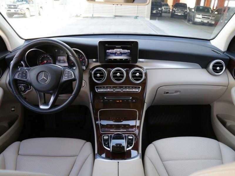 Mercedes-Benz GLC300 2016 price