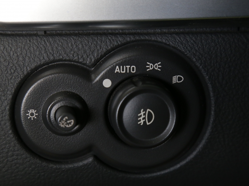 Chevrolet SSR LS2 6spd 2005 price $29,995