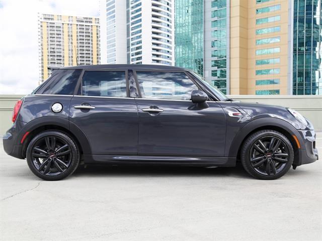 Mini Cooper Hardtop 2016 price $22,995