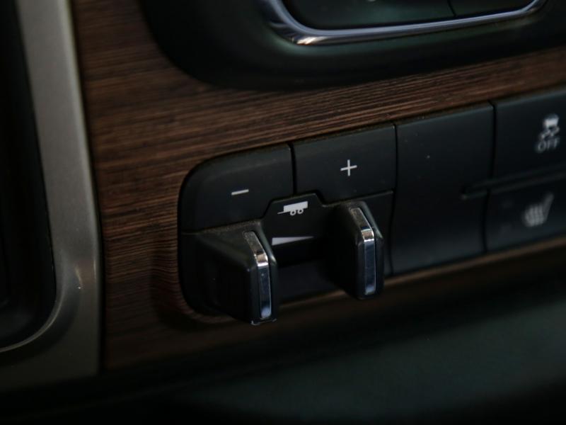 RAM 3500 4WD CUMMINS Diesel Laramie Mega Cab 2014 price $54,995