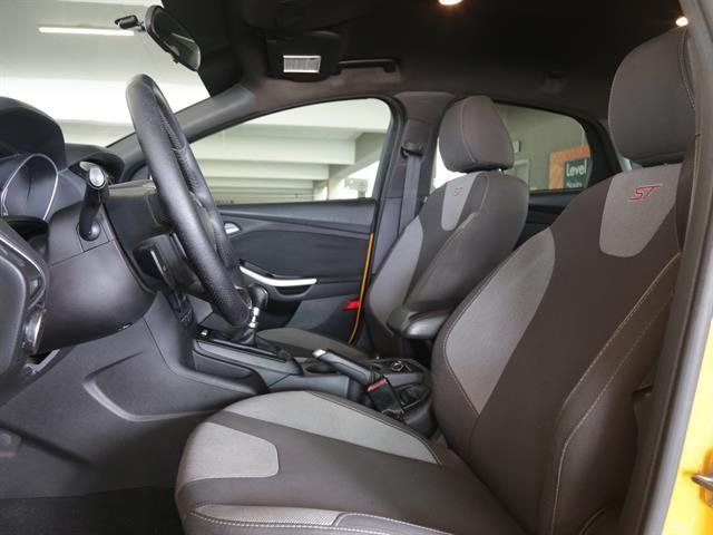 Ford Focus 2013 price $14,995