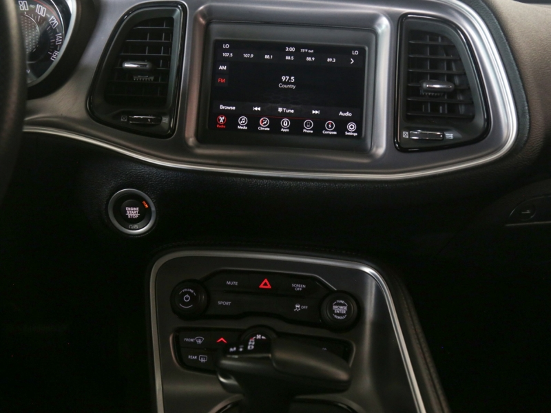 Dodge Challenger SXT 2019 price $29,995