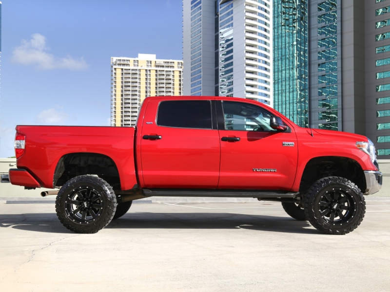 Toyota Tundra LIFTED 9IN 4WD CrewMax 2016 price $49,995