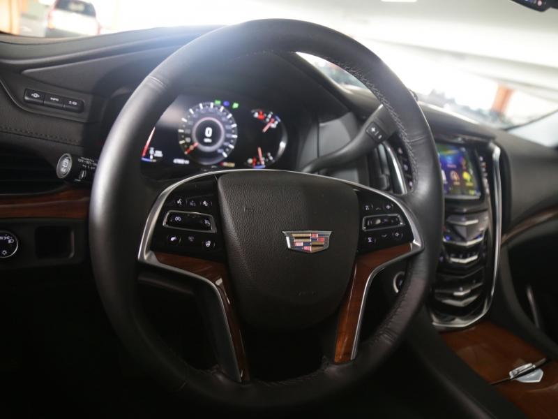 Cadillac Escalade ESV Luxury Collection 2016 price $49,995
